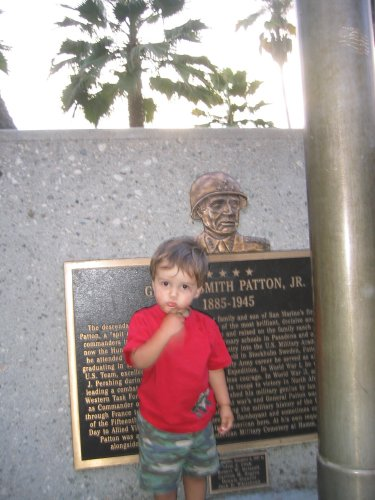 Sean with the Patton memorial at Lacy Park